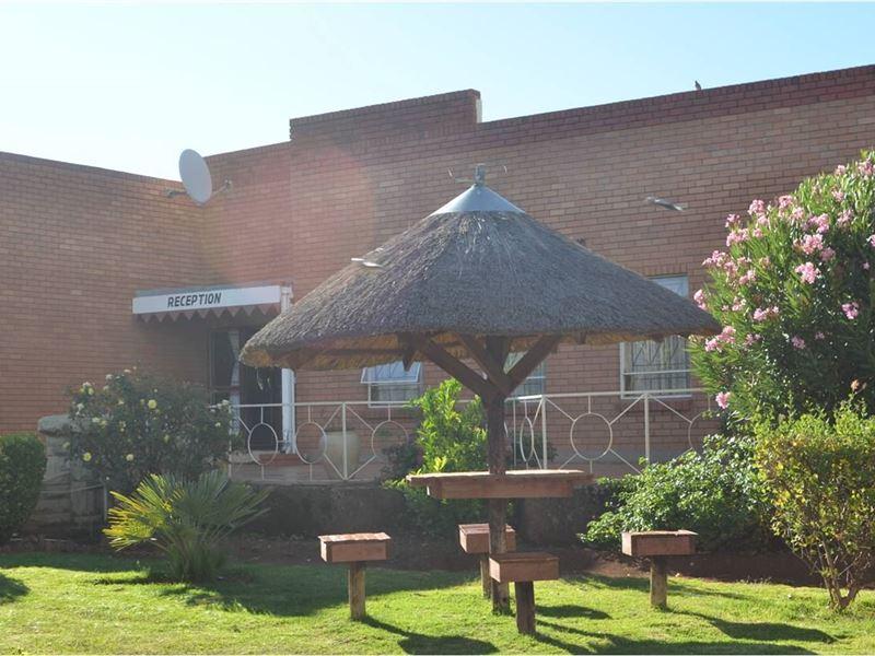 Molengoane Lodge