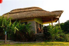Twin Lake Safari Lodge