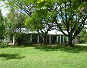 Hallswell Guest House Photo