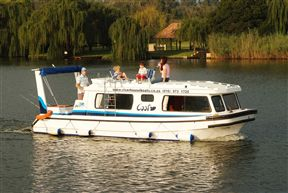 Old Willow No 7 Houseboat Charters Photo