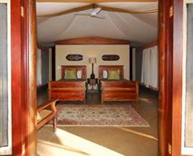 Tent interior © Rani Resorts