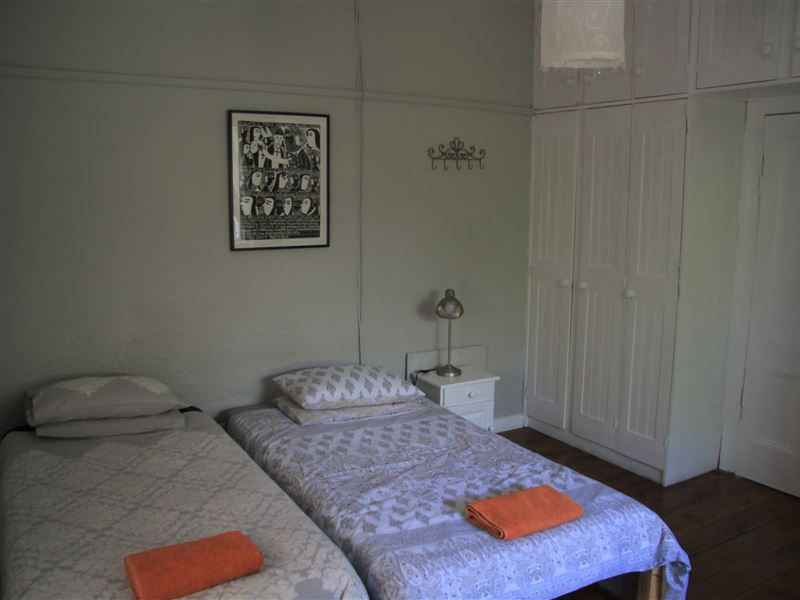 stafford cottage cape town your cape town south africa. Black Bedroom Furniture Sets. Home Design Ideas