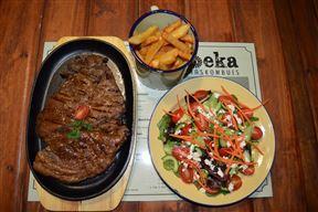 Toeka Accommodation, Restaurant and Predator Park