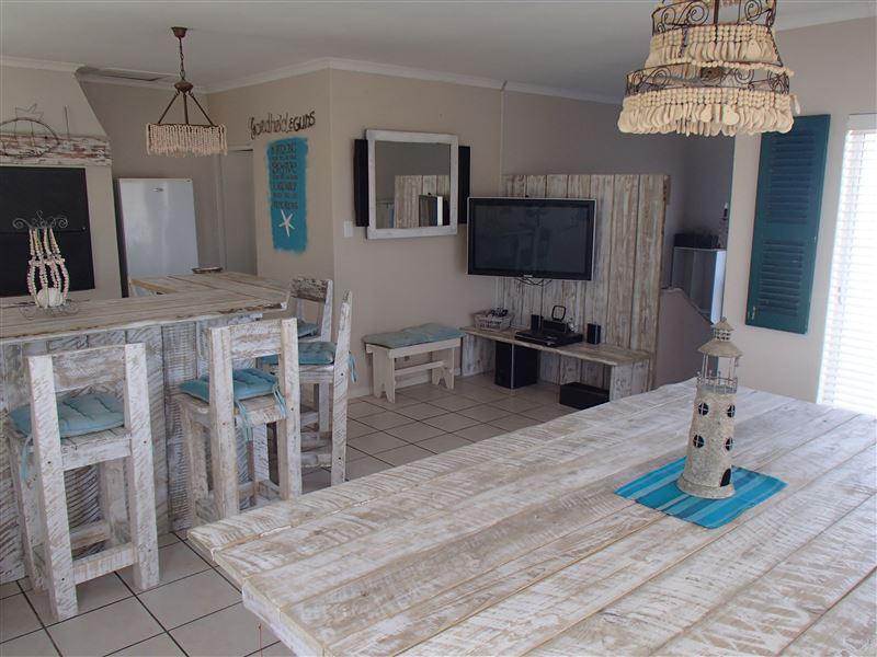 Beach House On Fairway In Langebaan Country Estate