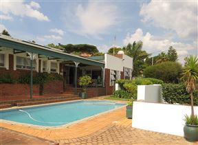 Chez Esme Guest House Photo