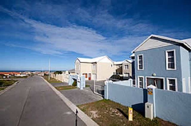 Bluewater Bay Self-catering