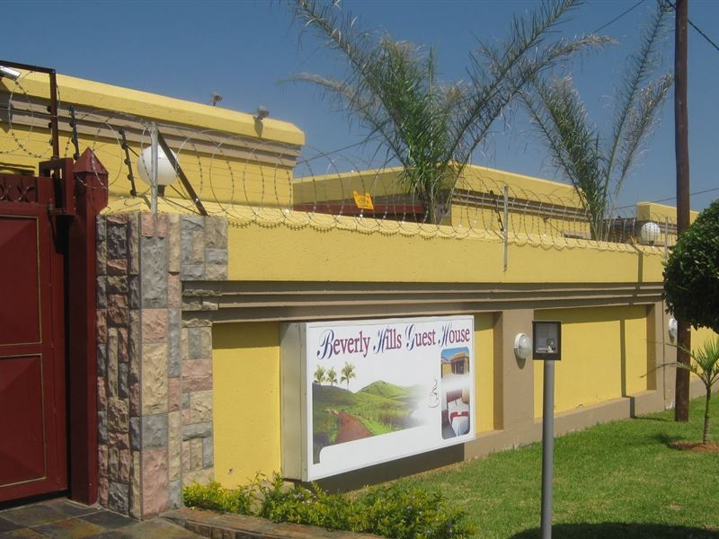 Beverly Hills Guest House In Mabopane