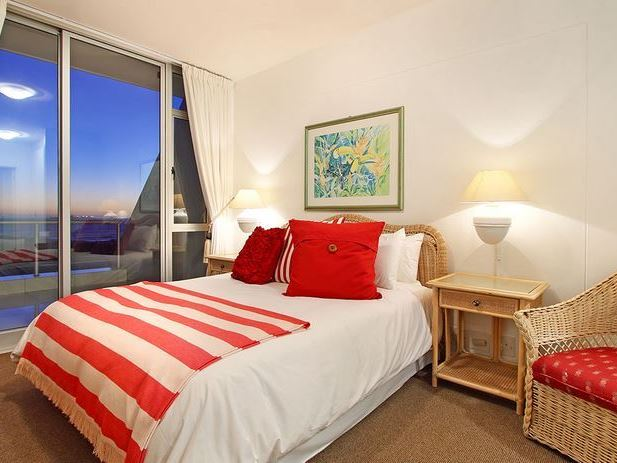 Dolphin Beach H104 Bloubergstrand Accommodation