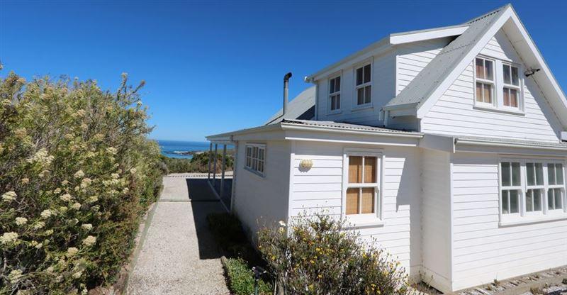 Pelican Beach House Grotto Bay West Coast 3