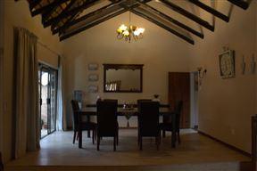 Acacia Villa Bed & Breakfast Photo