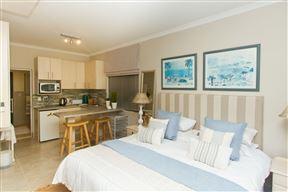 Dolphin Villa Guest Lodge