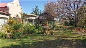 Nannies Garden Cottages, Restaurant and Tea Garden