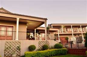 Sea Whisper Guest House and Self-Catering Photo