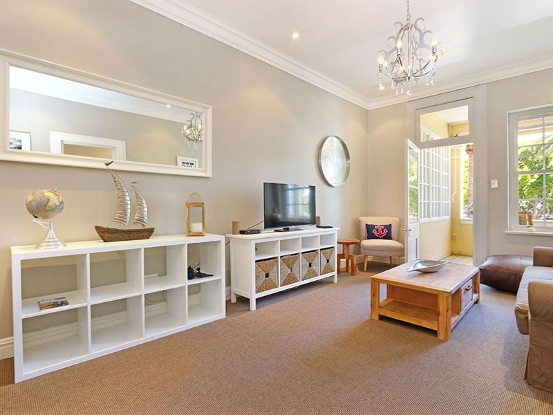 Jubilee Square Apartment Simons Town Accommodation