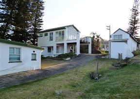 Glenmore Beach House Photo