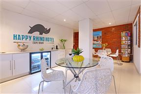 Happy Rhino Hotel