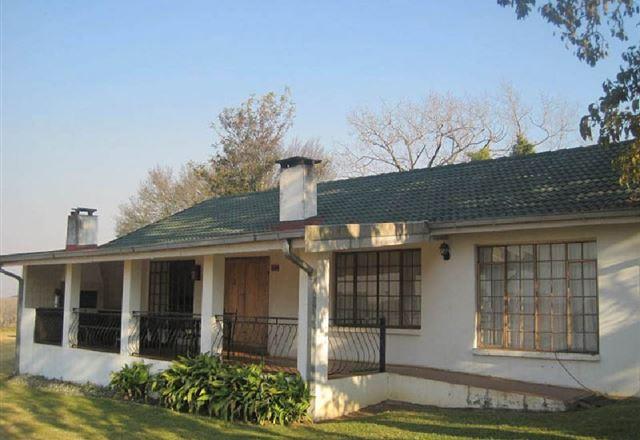 Hoyo Hoyo Machado Stud Lodge