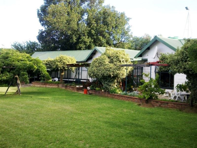 2 Nights Horse Riding Package at Shumba Valley, Fouriesburg, Eastern Free State 4