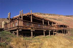 2 Nights at Highlands Mountain Retreat Golden Gate Highlands National Park