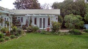 White Picket Fence Cottage on Immelman Photo
