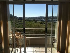 Sunny 2 Bedroom at Tygervalley Waterfront