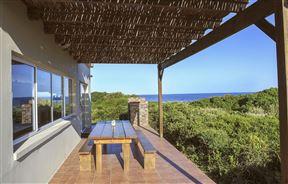 Beautiful Beachfront House Near Plett