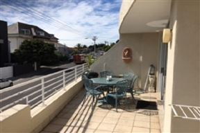 Accommodation at Palio's Apartment Green Point