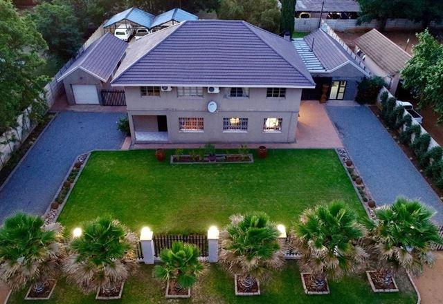 Modern Goldfields Apartment