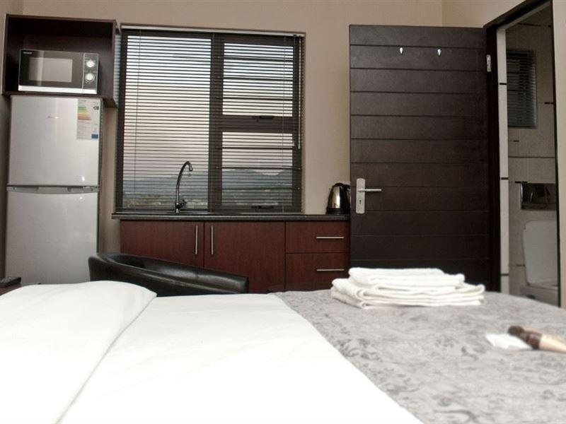 Eagle Nest Luxury Accommodation In Roodepoort