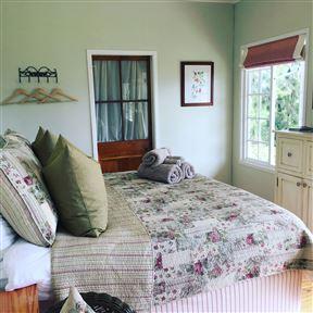 Cheverells Farm Accommodation - SPID:2805654