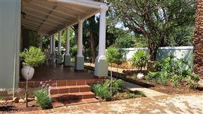 Bauhenia Guesthouse Photo