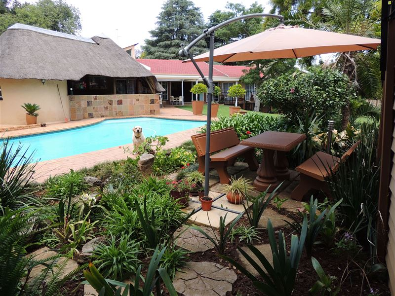 Hickory hollow randburg accommodation weekendgetaways for Hickory hollow