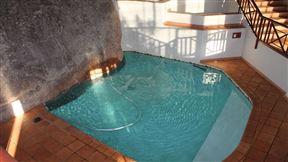 Ulwazi Rock Lodge Photo
