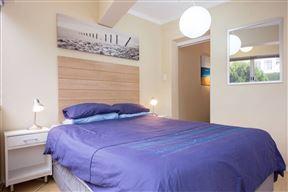 Upmarket Modern 1-Bedroom Flat on Kloofnek - SPID:2946210