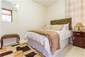 Easy Accessible One Bedroom In Cape Town - SPID:2957002