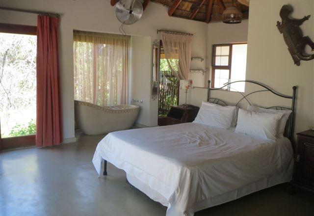 227 Kwalata Main House, Mabalingwe Nature Reserve