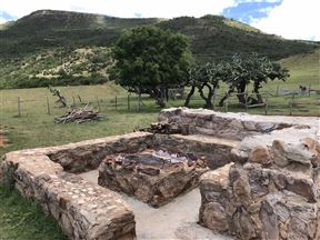 Kromrivier Farm Stays, Accommodation & Camping Venue