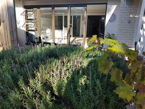Spacious Garden Unit on Fordyce
