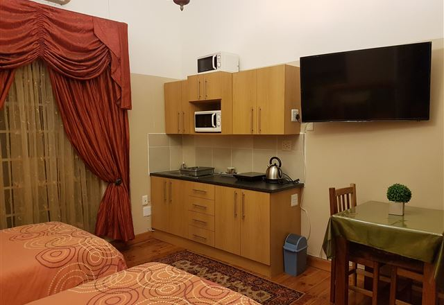 Graaff-Reinet Rd Self-Catering Apartments