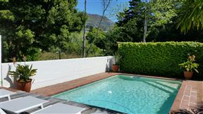 Lovely 4 Bedroom with pool - SPID:2984599