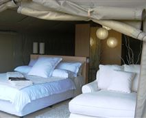 Luxury Stilted Tent  © mm