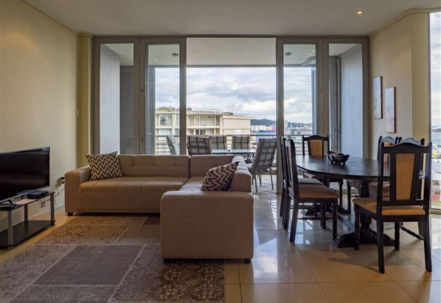 Beach Apartments- The Quays