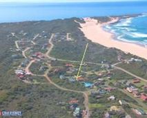 Kingfisher Cottage is a short walk from Cape St Francis magnificent beach.