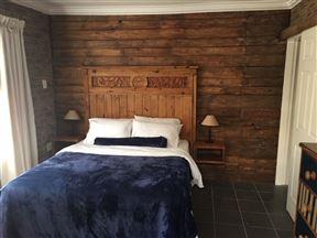 De Berg Hutte Guest House