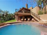 Three Bedroom Luxury Villa 13937