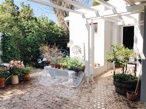 La Peregrina Guest House