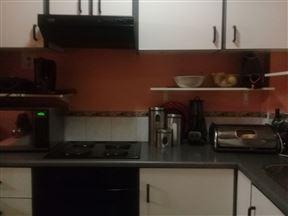 Yandi's Self catering Apartment