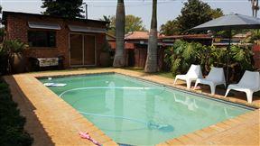 Garden Studio with Pool