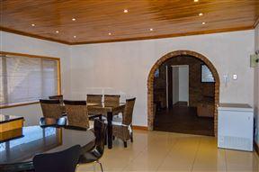 Emangunini Guesthouse