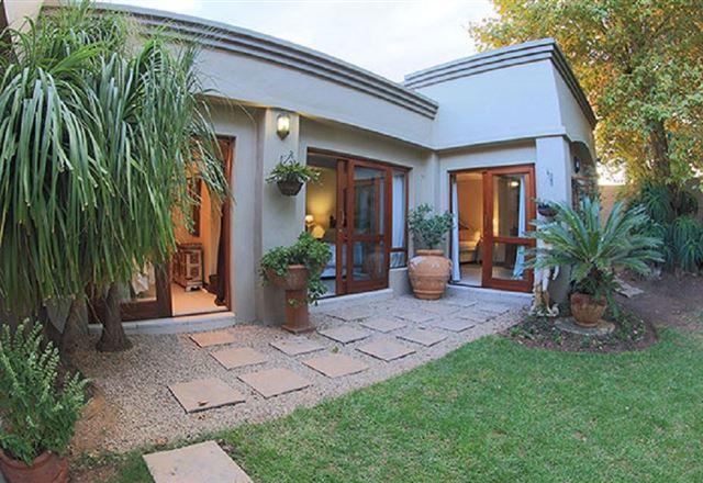 Luna Serena Guest House & Luxury Apartments